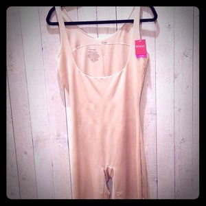 NWT SPANX Open Bust mid thigh bodysuit